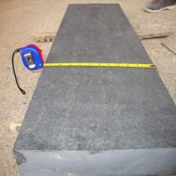 Granit Podestplatte hellgrau geflammt 20 cm hoch 100 x 150 cm