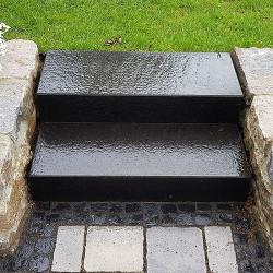 Granit Podestplatte hellgrau geflammt 20 cm hoch Größe 200 x 100 cm
