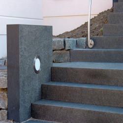 Granit Mauersteine Rot Schwarz 20 cm hoch gespalten 40 cm lang