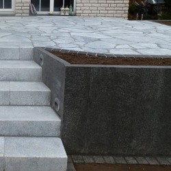 Basalt Palisaden Schwarz geflammt 8 x 20 cm