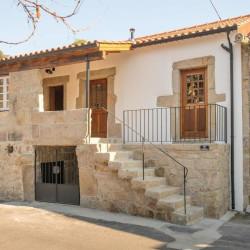 Basalt Palisaden Tiefschwarz geflammt 8 x 25 cm