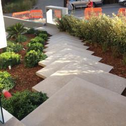 Basalt Palisaden Schwarz geflammt 10 x 25 cm