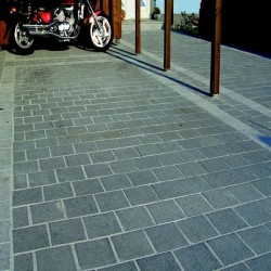 Granit Pflaster Platten Dunkelgrau Anthrazit 8 cm stark geflammt Format 40 x 30 cm