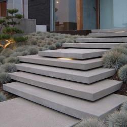 Basaltlava Blockstufen Anthrazit geschliffen 15 x 35 cm  150 cm lang