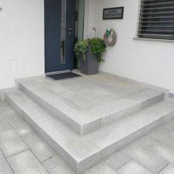 Basaltlava Blockstufen Anthrazit geschliffen 15 x 35 cm  Längen 50 bis 200 cm