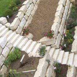 Granit Pflaster grau gespalten lose gelagert in Elz Westerwald Größe 15 x 17 cm