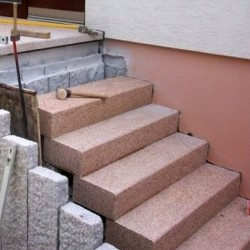 Basalt Pflaster Tefrit schwarz gespalten lose ab Lager Elz Großpflaster Größe 15 x 17 cm