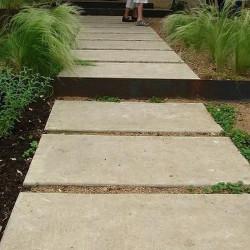 Bunt-Schiefer Mauersteine Violetto 6 - 15 cm hoch gespalten auf Paletten