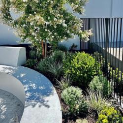 Treppenanlage aus Granit Weißgrau geflammt